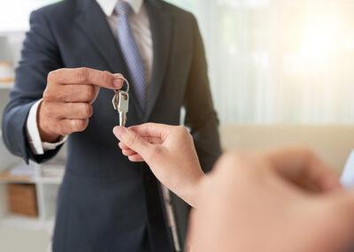 Short-term rentals and prior authorization regime